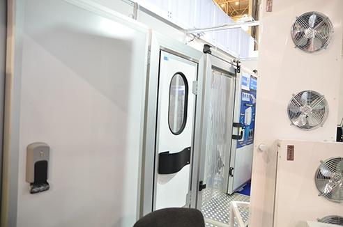 фото дверей для холодильных камер